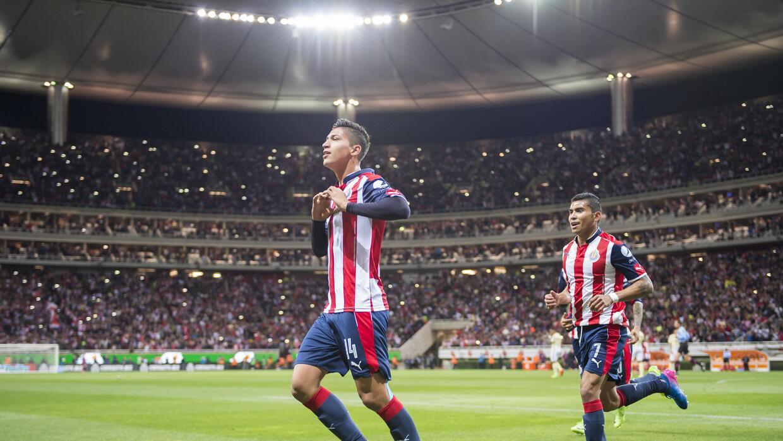 Ángel Zaldívar marcó de penal el único gol del partido entre Chivas y Am...