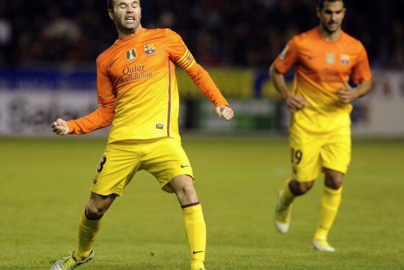 El jugador manchego sólo recibió el balón de Villa y sin pensarlo, estan...
