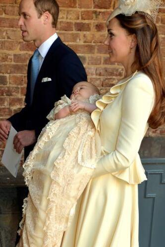 Cuatro meses después, el pequeño príncipe George fue bautizado en la cap...