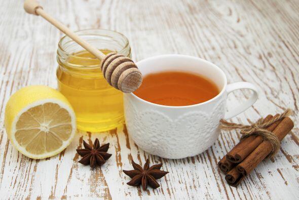 Procedimiento: Prepara un jarabe hirviendo 1 taza de té, 1 taza d...