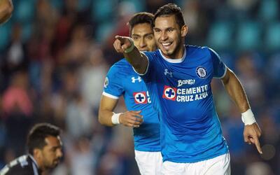 Cruz Azul goleó a Querétaro y llega con el ánimo a tope al clásico joven