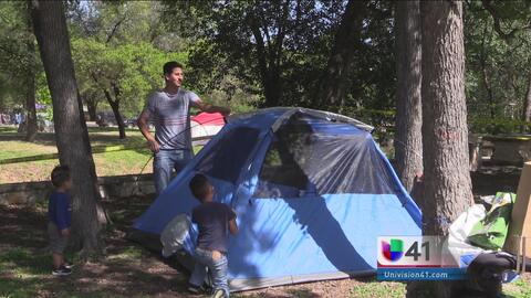 Acampar durante la pascua es toda una tradición en San Antonio