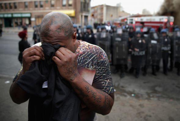 Varios manifestantes fueron dispersados con gases lacrimógenos.