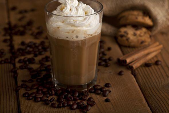 'Iced coffee'. Si no tienes coctelera, usa un frasco limpio. La receta e...