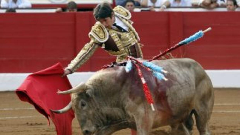 Asamblea de Cataluña, España, prohibió las corridas de toros.