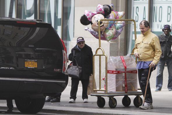 """Pues sus papás le mandaron globos a la """"Princesa de la casa"""".M&aa..."""
