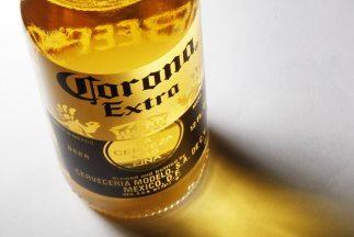 La compra de la compañía mexicana Grupo Modelo se concretó por $20.1 mil...