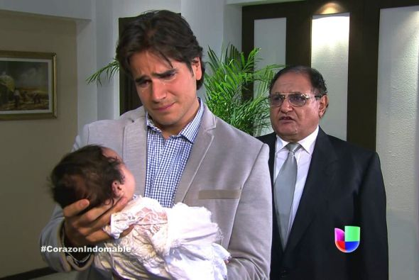 Al fin, Octavio conoció a su hija y le juró que lucharía por quedarse co...
