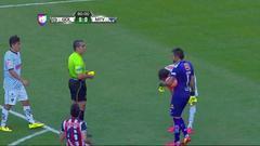 Tarjeta amarilla. El árbitro amonesta a José María Basanta de Monterrey
