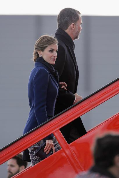 Desde el aeropuerto de Barajas en Madrid, los Reyes de España comenzaron...