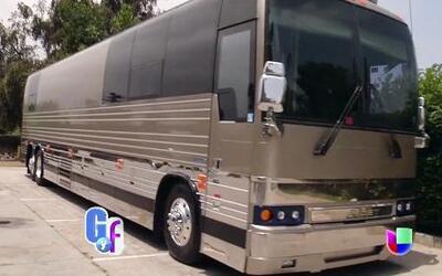 Los Rieleros del Norte nos dieron acceso exclusivo a su nuevo autobús