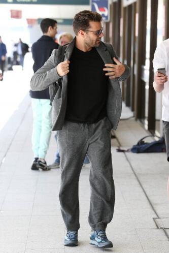 Ricky Martin salió de Australia y los vimos en el aeropuerto.