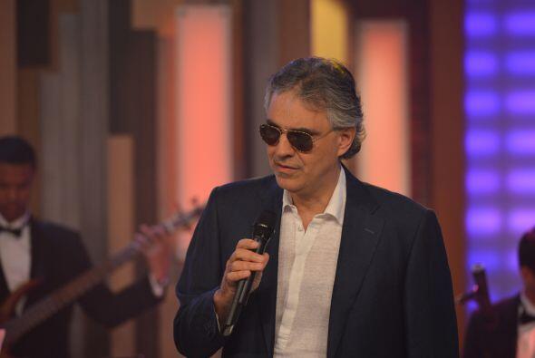 En este nuevo disco Andrea Bocelli hace duetos con Jennifer Lopez y Nell...