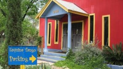 Esquina Tango fusiona las raíces argentinas con la vibra latinoamericana...