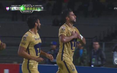 Eduardo Herrera hizo un golazo de chilena para abrir el marcador ante Ho...