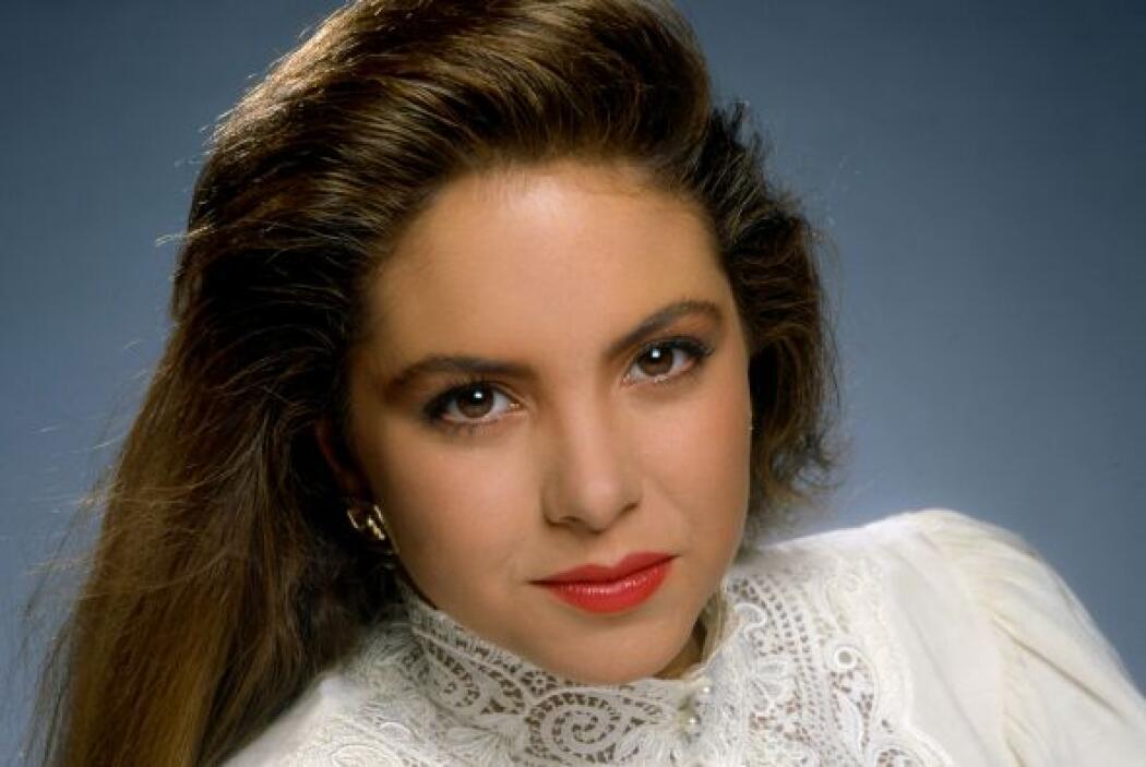 Lucero celebra su cumpleaños número 44 y en Univision tlnovelas la celeb...