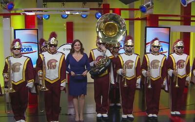 Banda de la University of Southern California está lista para el Desfile...