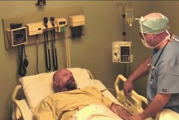 A este hombre sus amigos le hicieron creer que llevaba 10 años en coma,...