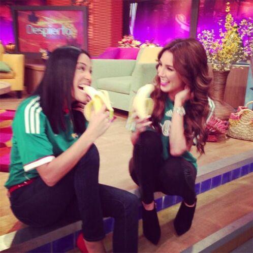 """""""Compartiendo desayuno con la hermosa y simpatiquísima @Elygutierrez19"""",..."""