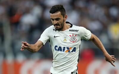 Corinthians se mantiene en segundo en Brasil.