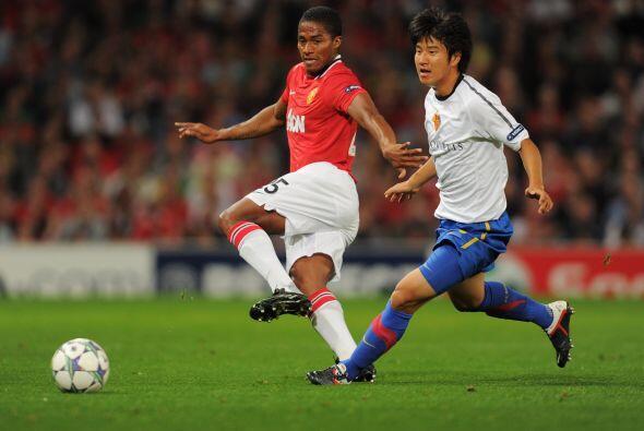 Manchester United se midió al Basel de Suiza en Inglaterra.
