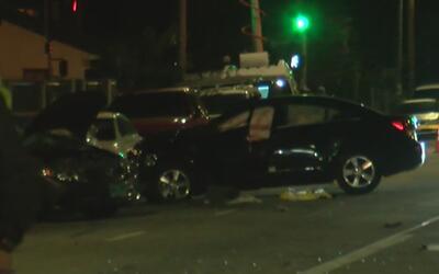 Un conductor muerto y otro detenido tras un aparatoso accidente en North...