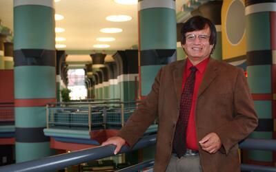 La Universidad Rice reconoce la contribución de Richard Tapia en hacer q...