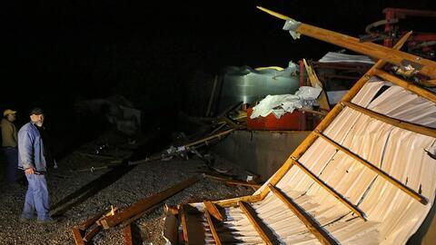 Los tornados causaron daños a viviendas, propiedades, servicios y puso e...