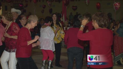 Más de 1,500 personas de la tercera edad celebran el Día del Amor y la A...