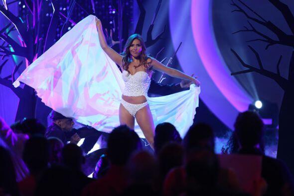 Las chicas nos sorprendieron con un desfile en bikini inspirado en la ma...