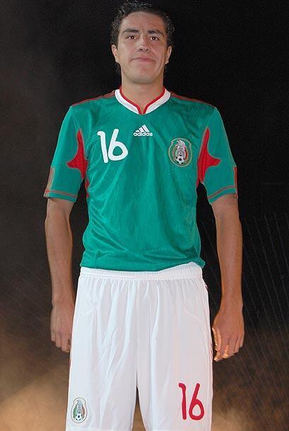 Efraín Juárez también se puso desde el primer día la camiseta que utiliz...