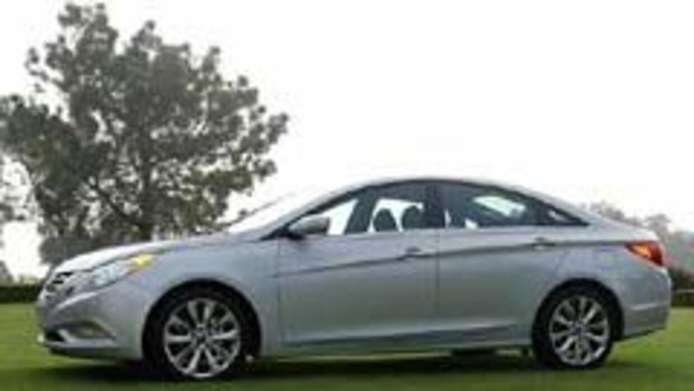 Hyundai presentó al renovado Sonata 2011. 7eb824e7bf2a4dd18910c0b692a565...