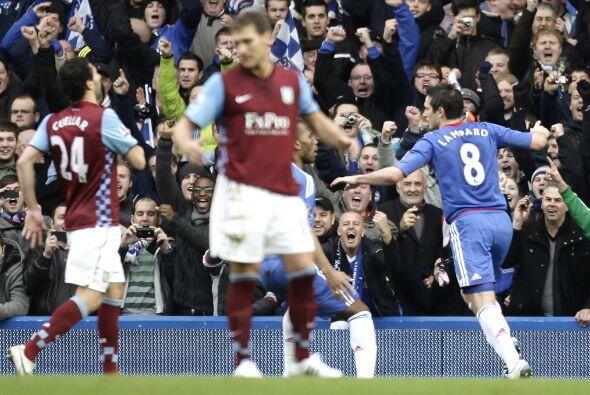 Lampard lo hizo correctamente y se marcó el 1-0.