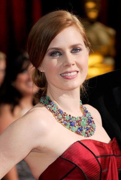 La joyería es parte escencial en el arreglo de Amy y lo que m&aac...