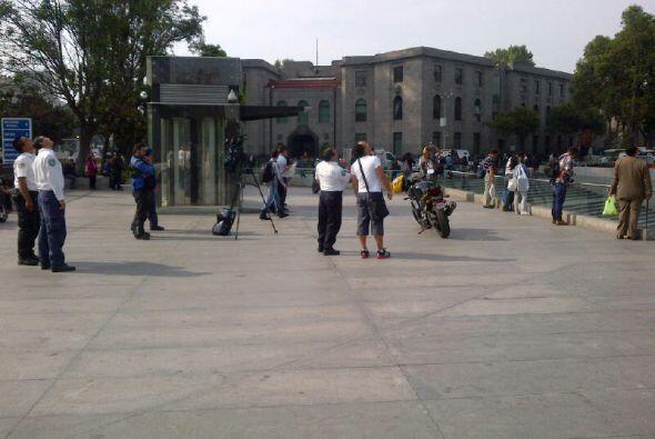 Los manifestantes indicaron que escalaron la torre, ubicada en Paseo de...