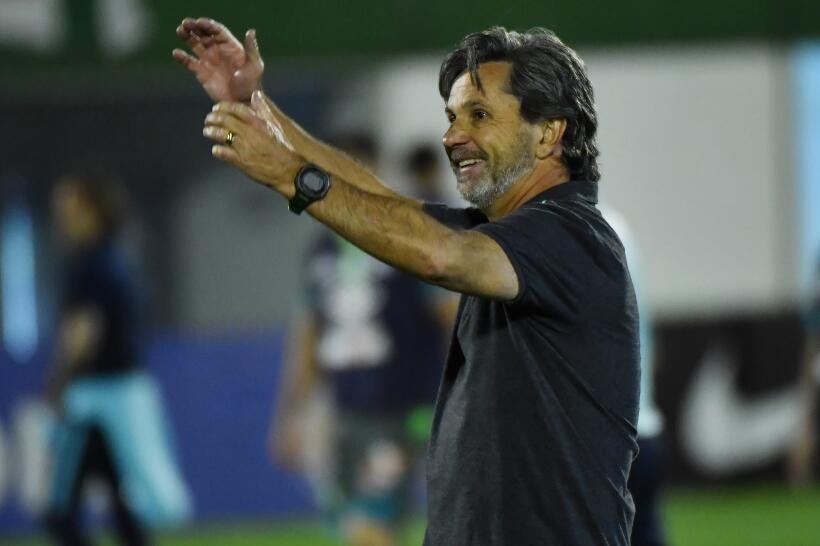 Caio Júnior de 51 años, era el técnico del Chapecoense y se encontraba e...