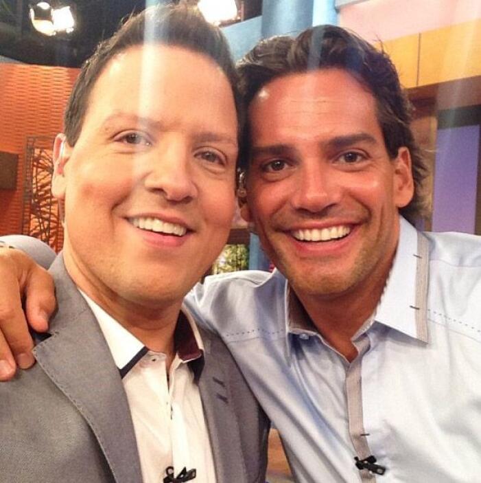 """""""Con mi hermano gemelo Cristian de la Fuente. Dos gotas de agua"""", mostró..."""