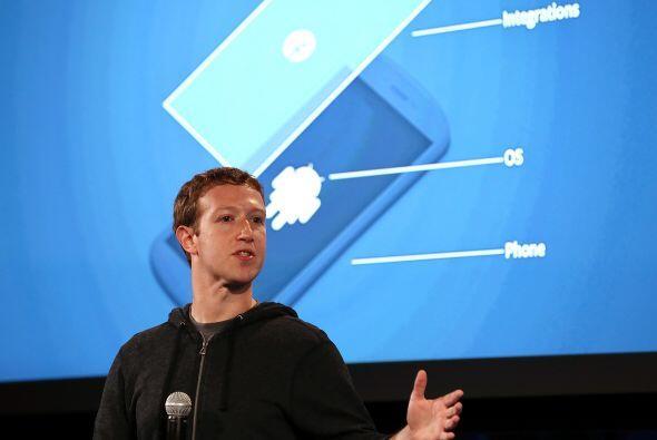 """Zuckerberg dijo que el objetivo es poner a """"las personas por encima de l..."""