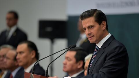 Erique Peña Nieto durante la firma del tratado para fomentar la e...