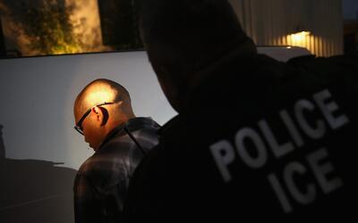 Legislativos y activistas de California piden explicaciones sobre operat...