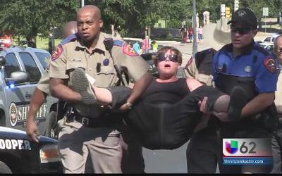 11 arrestos en Austin provocados por el tema del aborto en Texas.