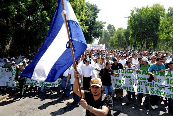 Miles de estudiantes y jóvenes nicaragüenses protestaron en las calles d...