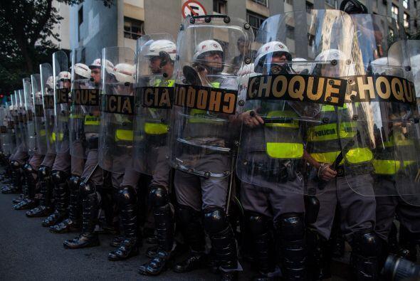 Las protestas se repitieron en más de una decena de ciudades brasileñas,...
