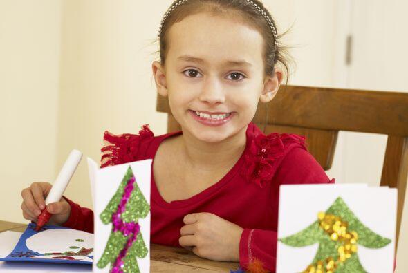 Tarjetas navideñas. Reúne las que hagan tus hijos y las que recibas por...
