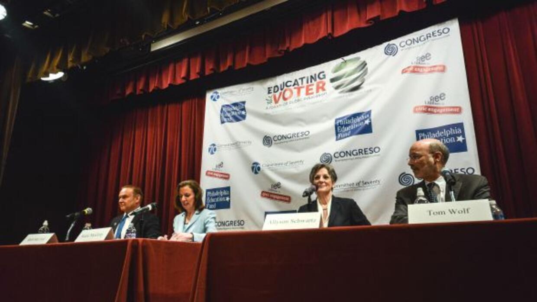 Los candidatos demócratas de izquierda a derecha: Rob McCord, Katie McGi...