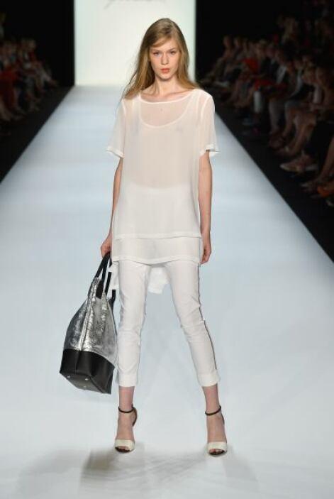 Muchos aman el estilo 'all white' pero si ya lo llevas en todas tus pren...