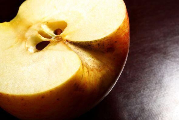Contra la oxidación de frutas y vegetales. Si quieres guardar una fruta...