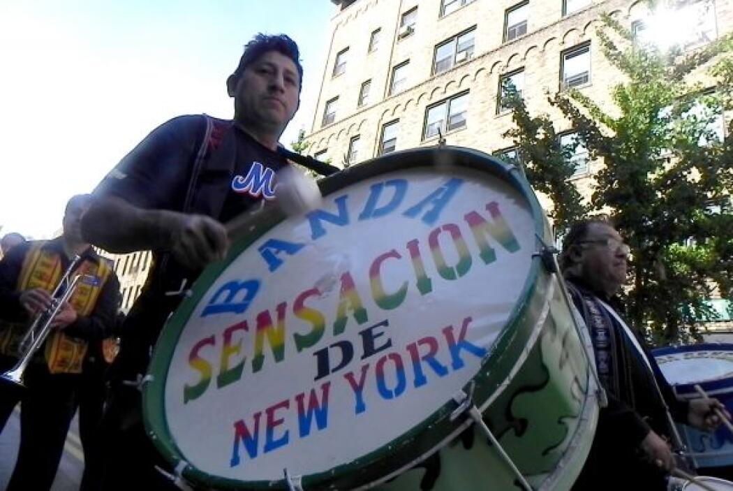 Primer desfile Boliviano de Nueva York 2f8b8d7309e54e009c27f17c64c9ce31.jpg