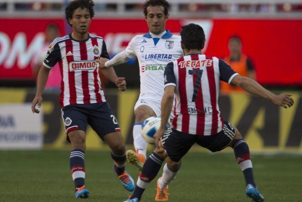 El Guadalajara recibe a los Gallos en el Omnilife en un partido que tien...
