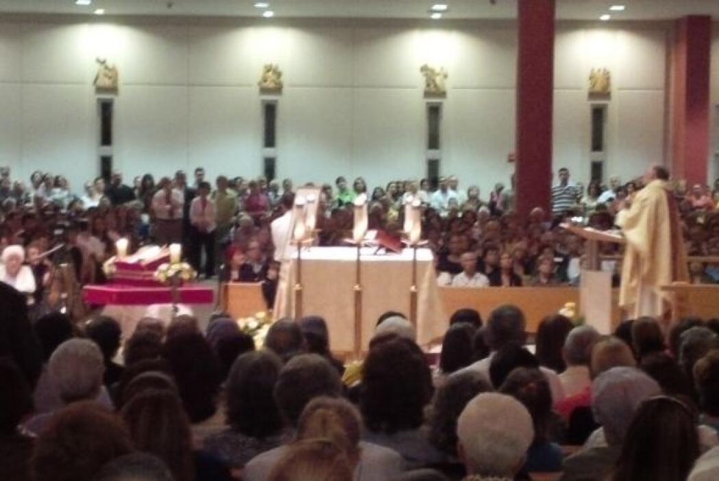 La Iglesia de Santa Agatha de Miami se vistió de gala para la ceremonia...